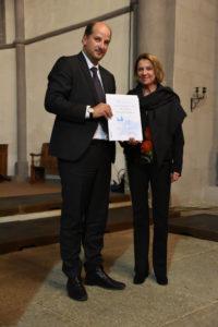 Remise du label par Esther Gaillard, de la FEPS, à M. Junod, syndic de Lausanne